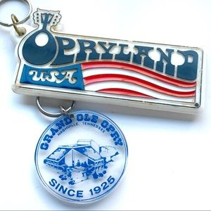 ✨Antique✨OPRYLAND Nashville TN Keychain🎄ornaments
